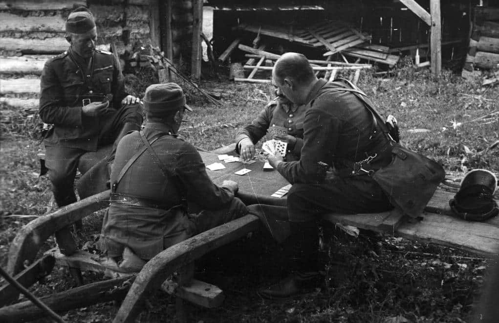 Polish soldiers playing cards