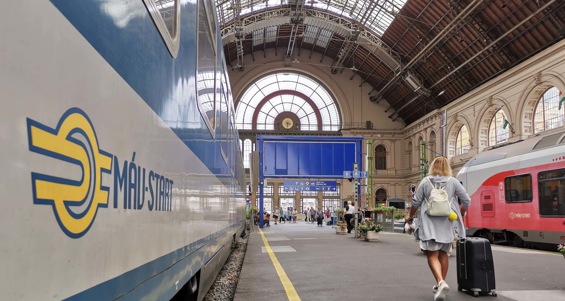 Keleti railway station Budapest train MÁV