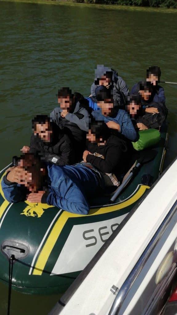 boat hungary police.hu migration