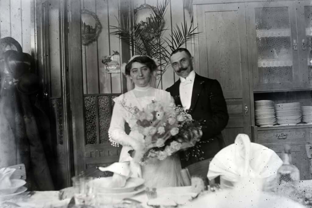 Hungary wedding tradition