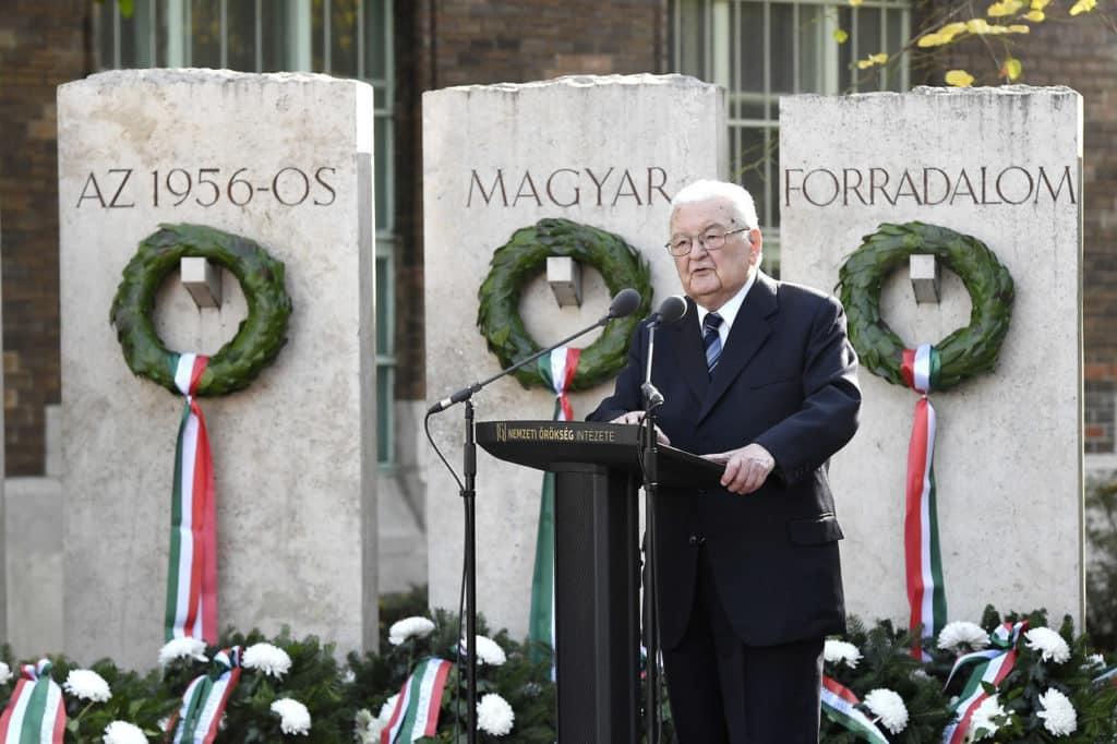 Former-PM-Péter-Boross