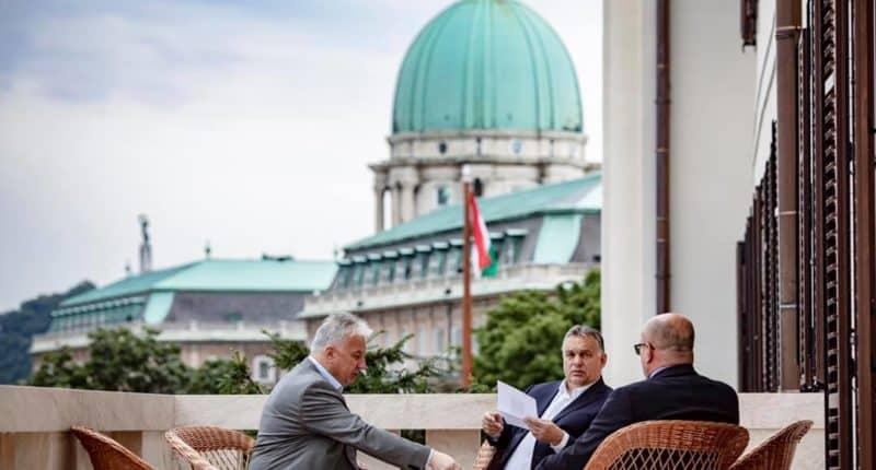 PM Orbán, Hungary, Karmelita