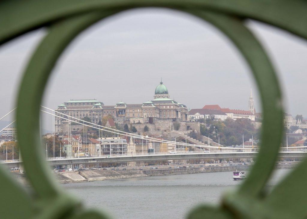 Budapest Buda castle Hungary Danube autumn Kató Alpár Daily News Hungary