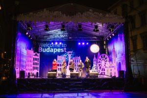Budapest, Vörösmarty Square, Christmas, market, music
