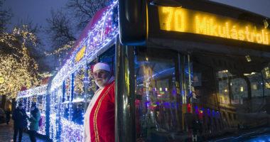 Budapest-public-transport-Santa-Claus