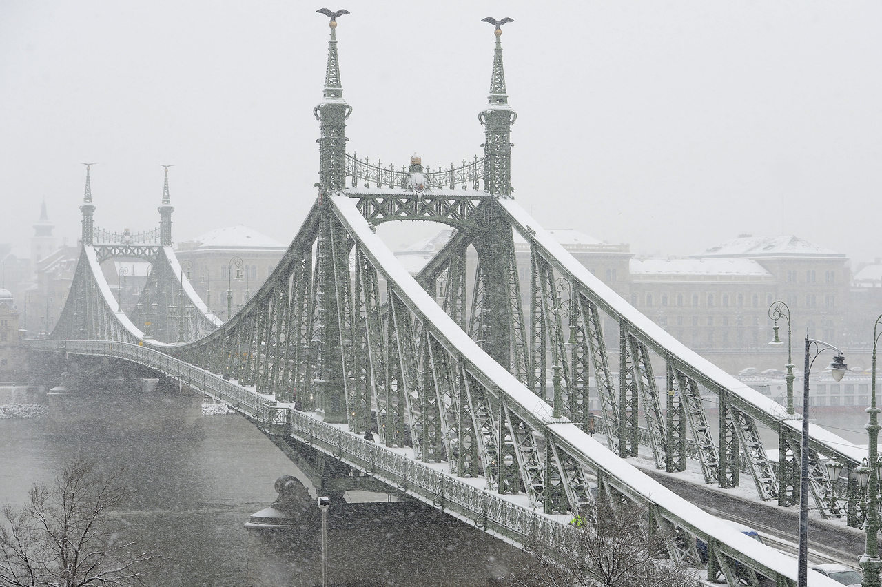 First snow of winter 2019 arrives in Hungary