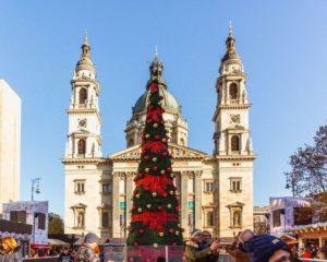 St. Stephen's Basilica, Christmas, market, Budapest, Hungary