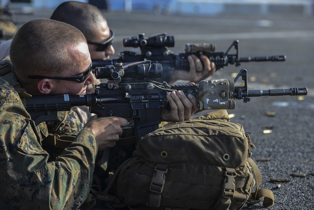 marines us army