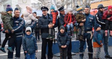 police hungary budapest christmas