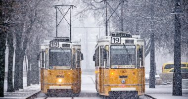 winter trams budapest