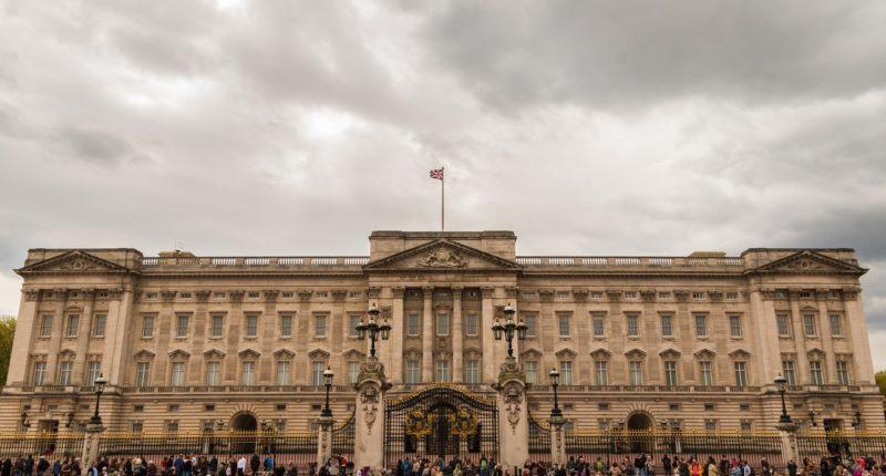 buckingham-palace london