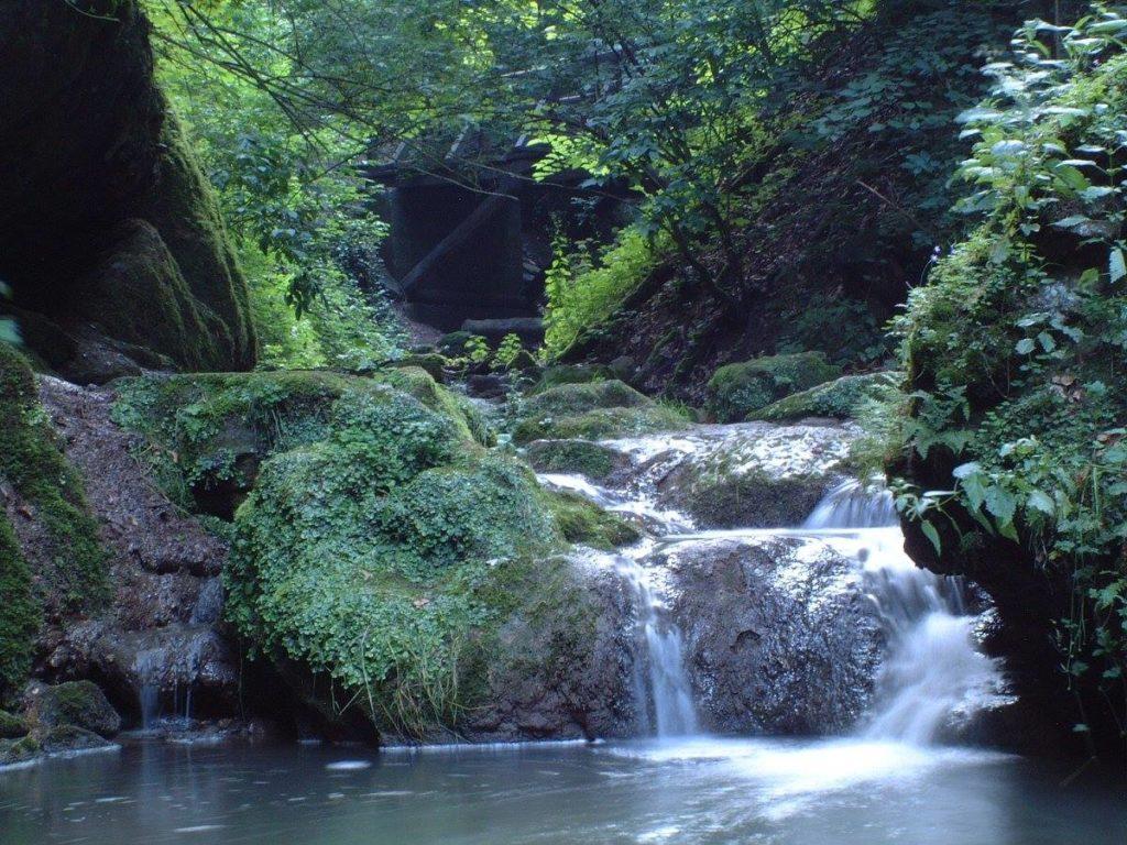 Óbánya Valley