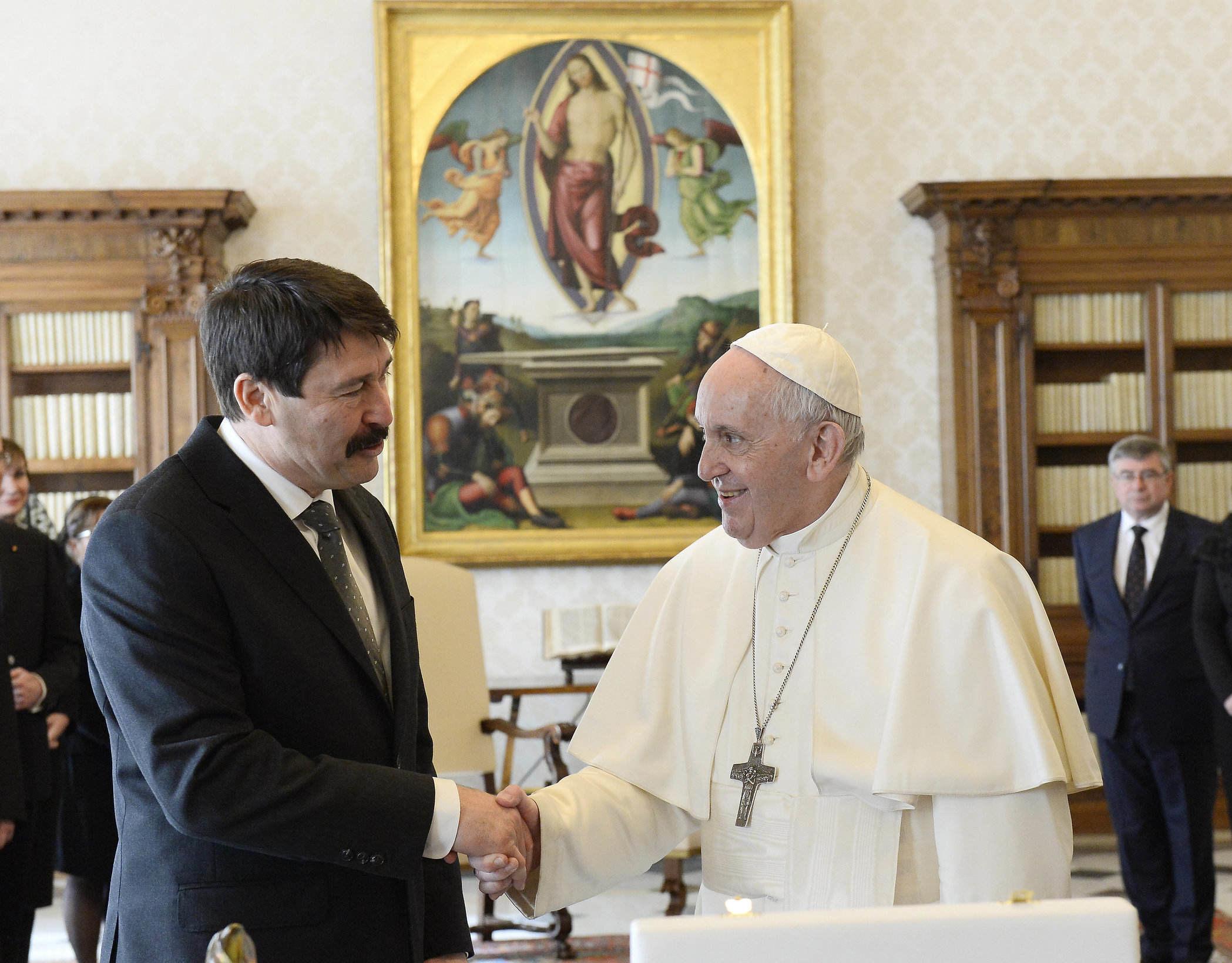 áder invites pope