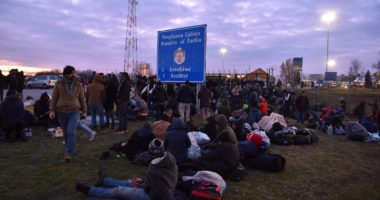migrants at hungarian border