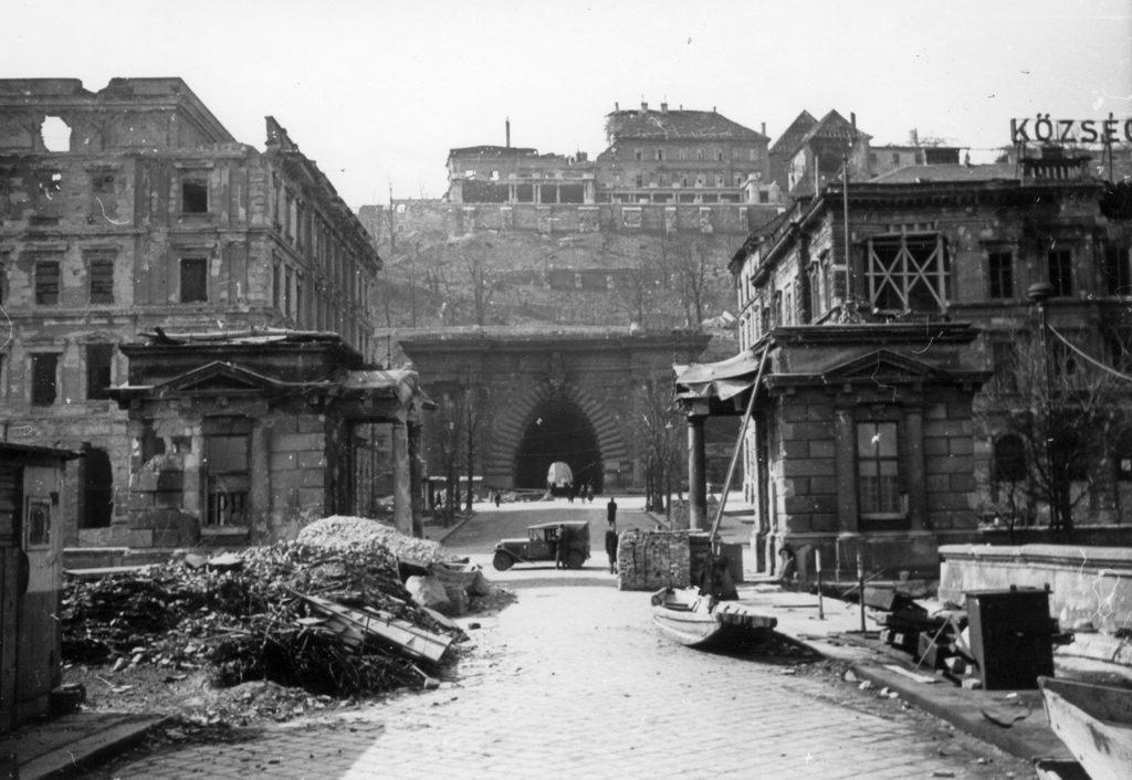 tunnel buda castle 1945