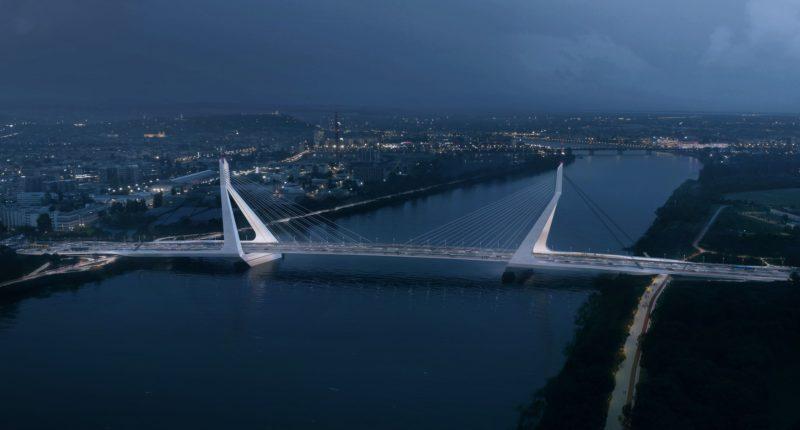Galvani bridge, Danube, Budapest, Hungary