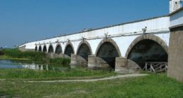 Hungary, Hortobágy, Nine Arched Bridge, bridge
