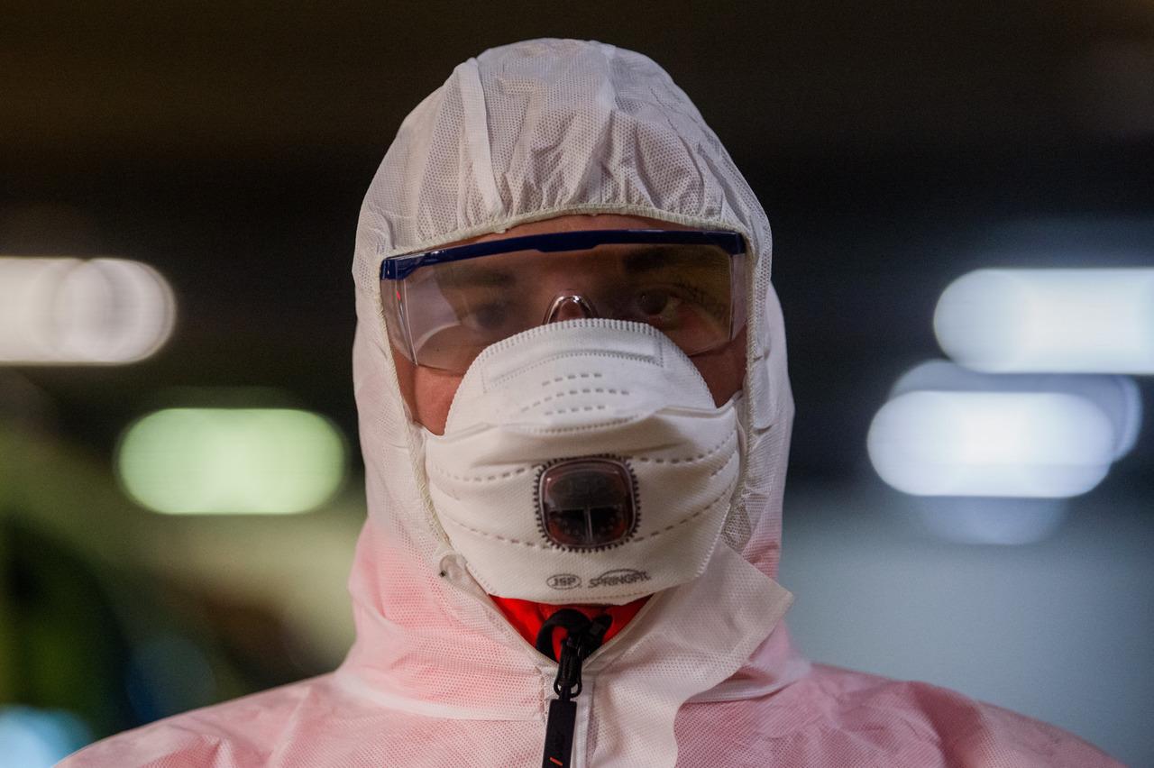 coronavirus-hungary-masks