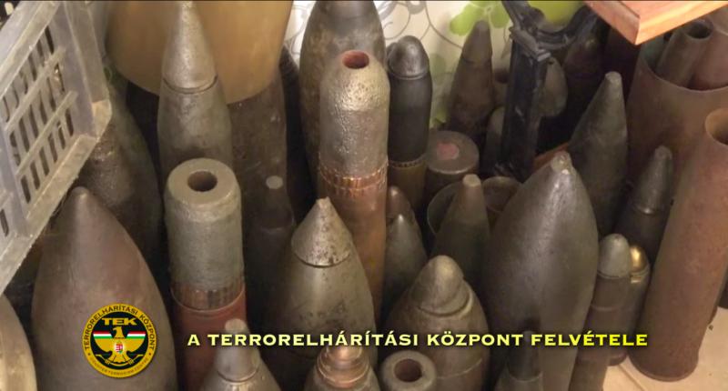 firearms bombs wwii weapons kóka police