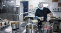 labour-market-hungary-kitchen