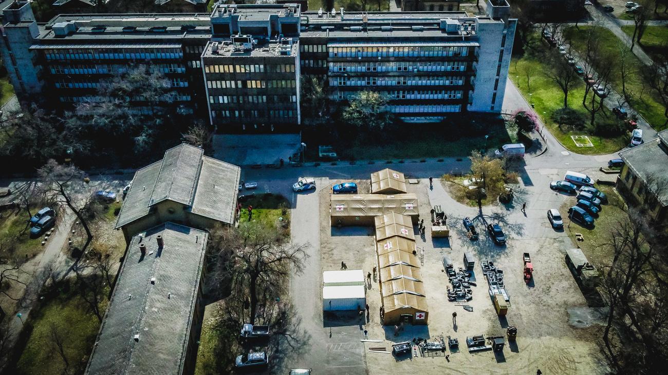 szent lászló hospital tent hungary army