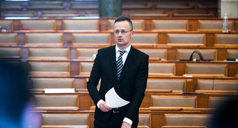 Hungarian-foreign-minister-Szijjártó