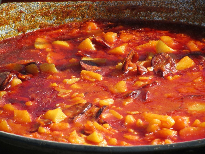 Paprikás Krumpli Potato Paprikash Bogrács Kettle Pot