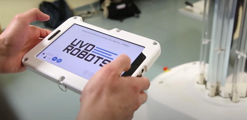 Önjáró-fertőtlenítő-robot-Semmelweis-Egyetem-2