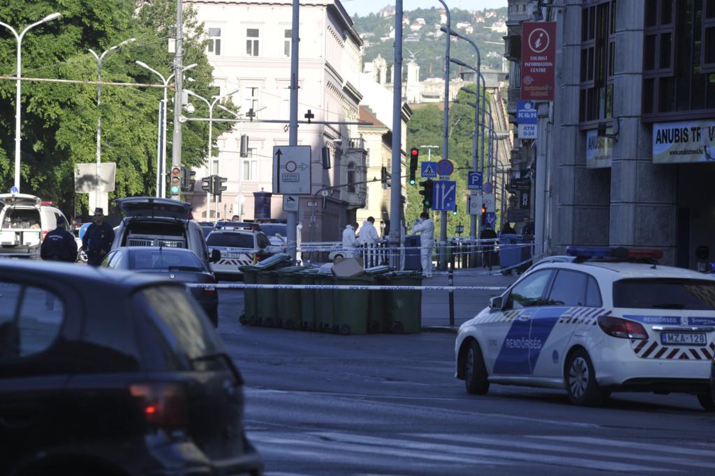 Budapest-Deák-tér-késelés-gyilkosság-police-1