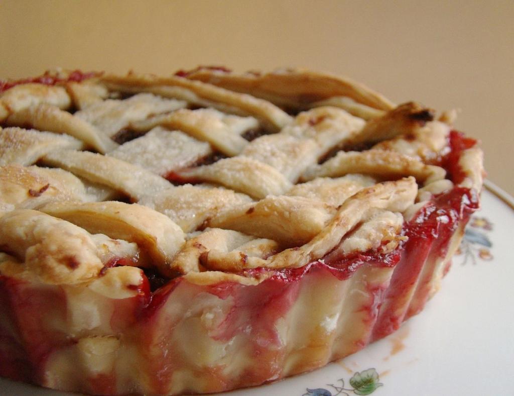 Dessert-strawberry-pie.