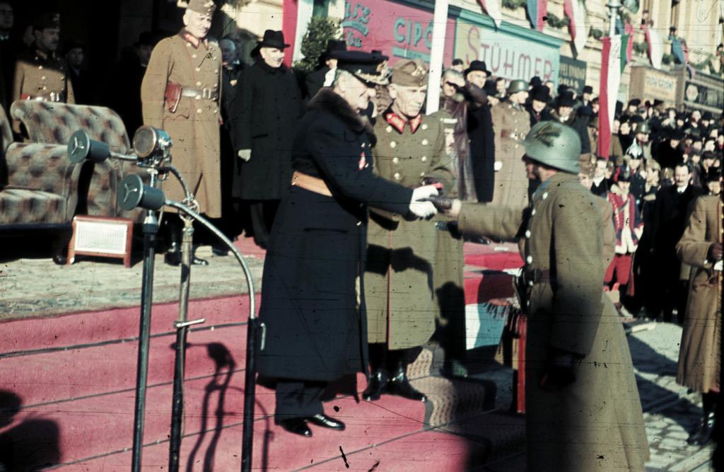Horthy Miklós Ünnepség Celebration Kézfogás Handshake