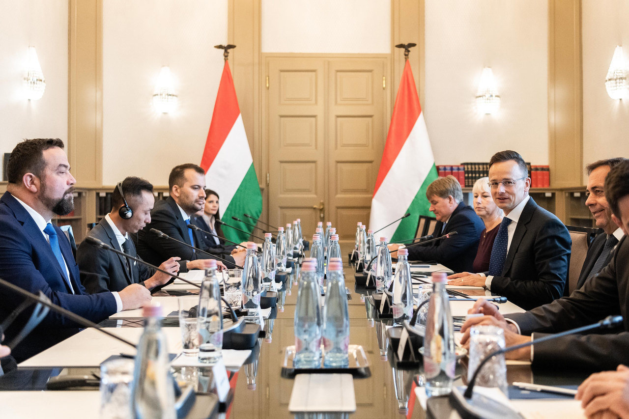 Hungarian companies have an important role in rebuilding the economy