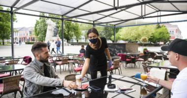 coronavirus-in-hungary-restaurant