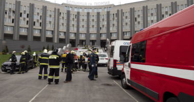 Five people were killed and 150 others evacuated on Tuesday after a fire broke out in a hospital in the Vyborgsky district of St. Petersburg, Russia