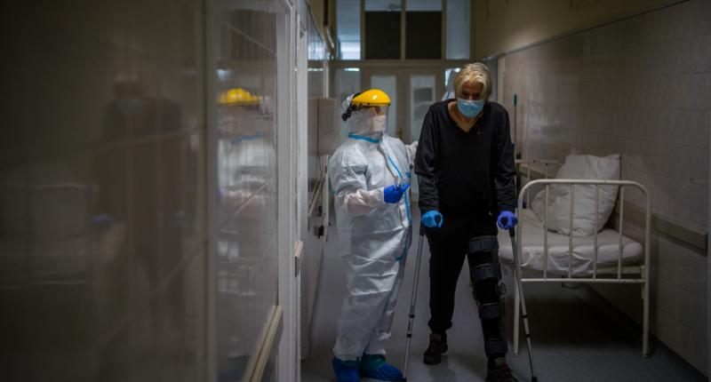 hungary-coronavirus-hospital