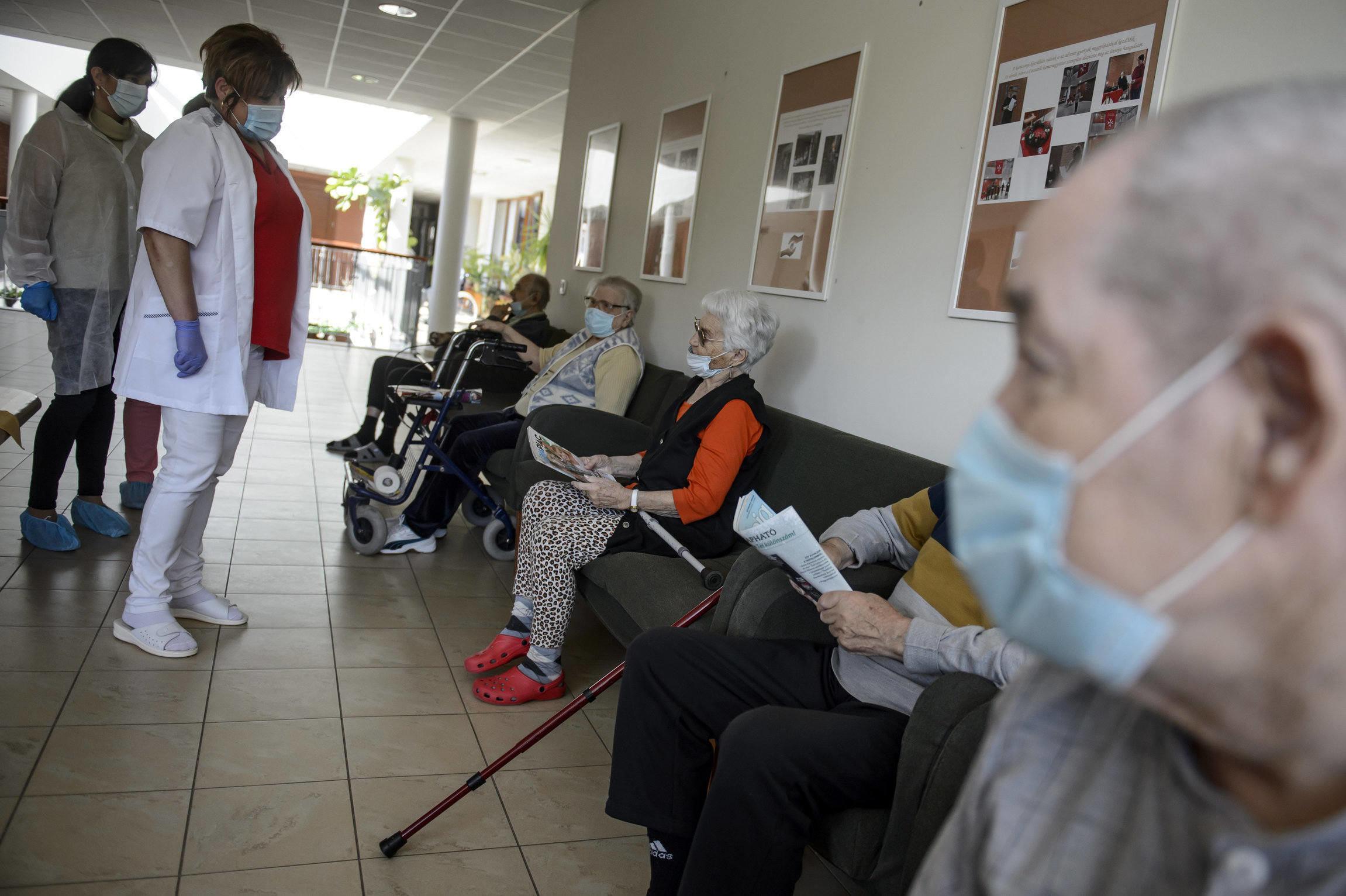 coronavirus elderly