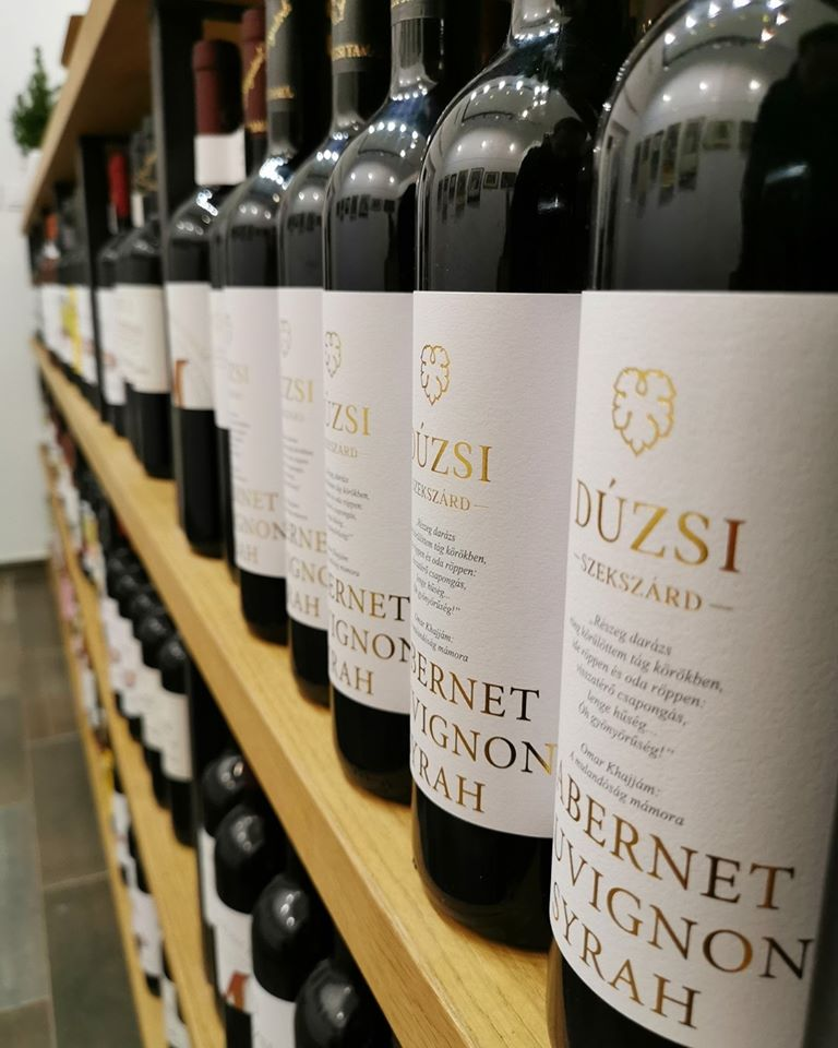 Dúzsi Wine Rack