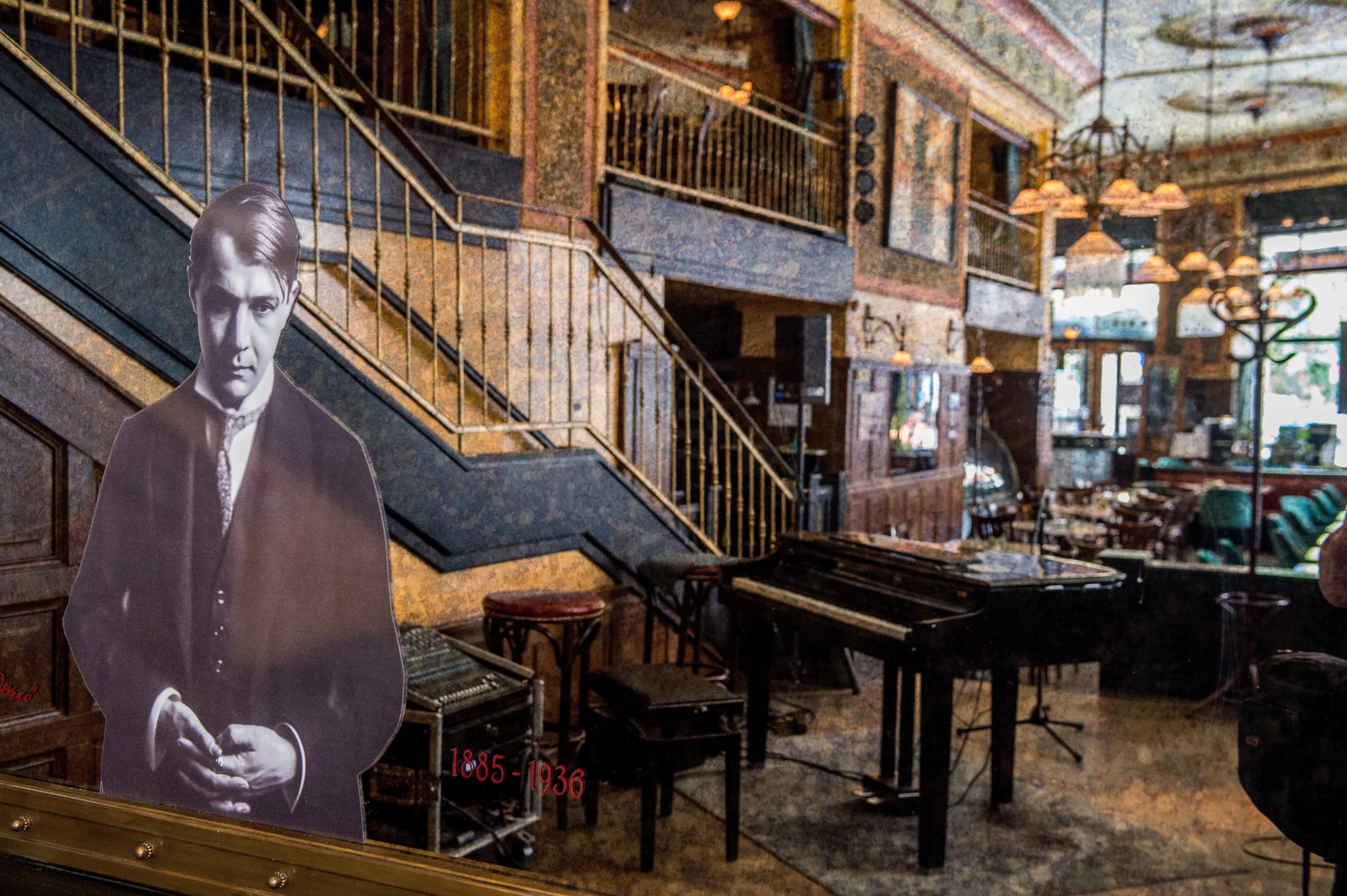 Történelmi kávéházak - Centrál Kávéház