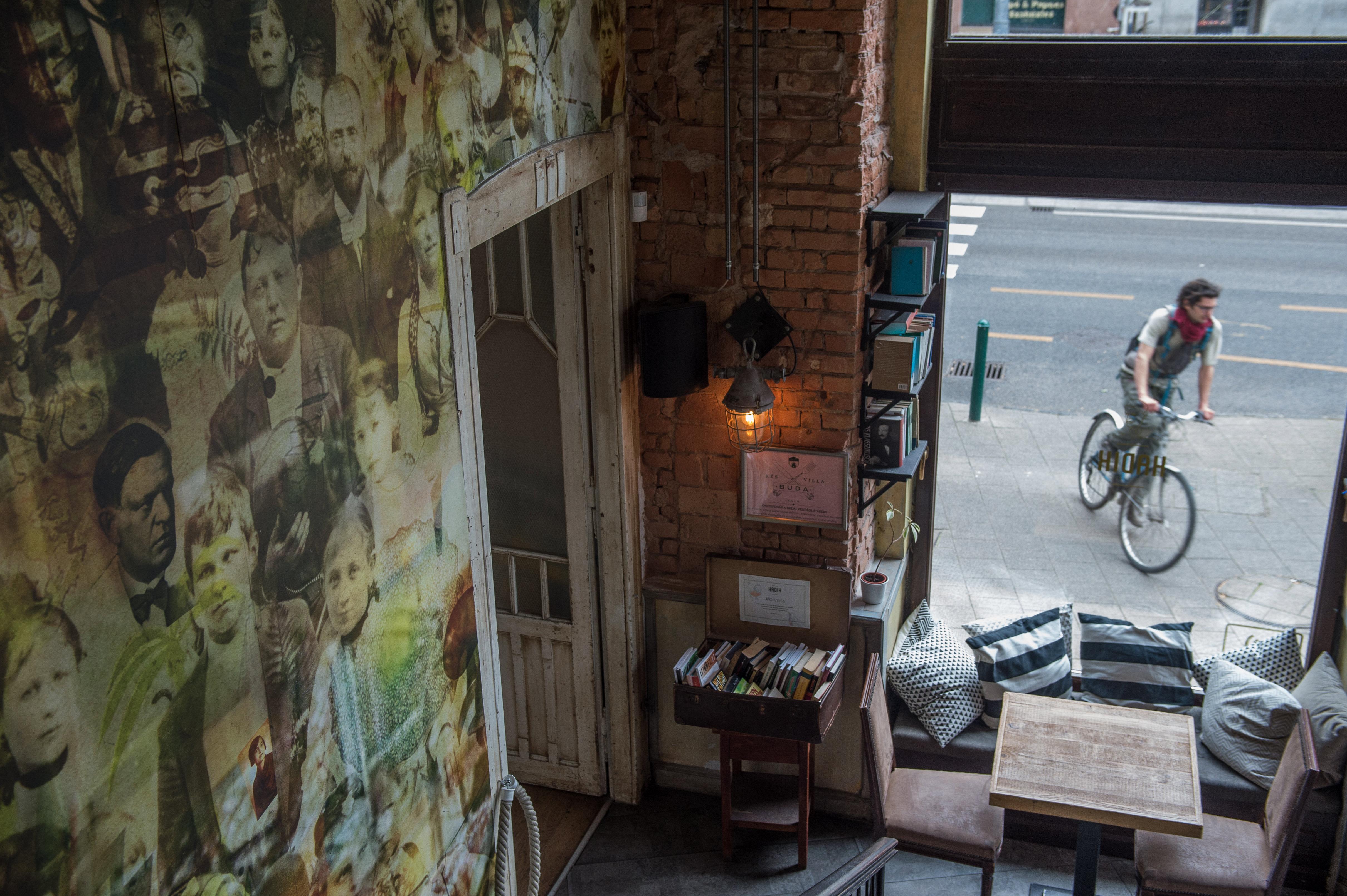 Történelmi kávéházak-Hadik Kávéház