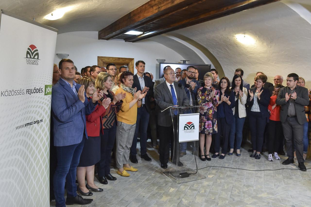 Vojvodina-Hungarians-VMSZ