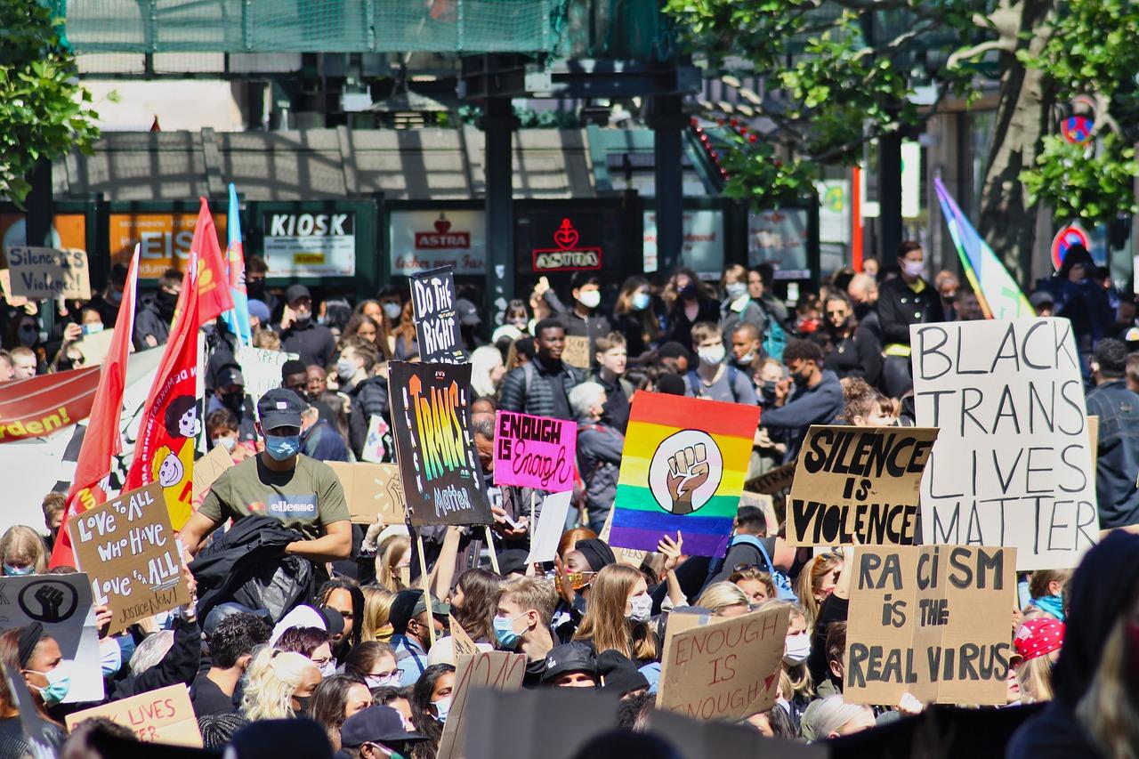 blm-demonstration protest black lives matter
