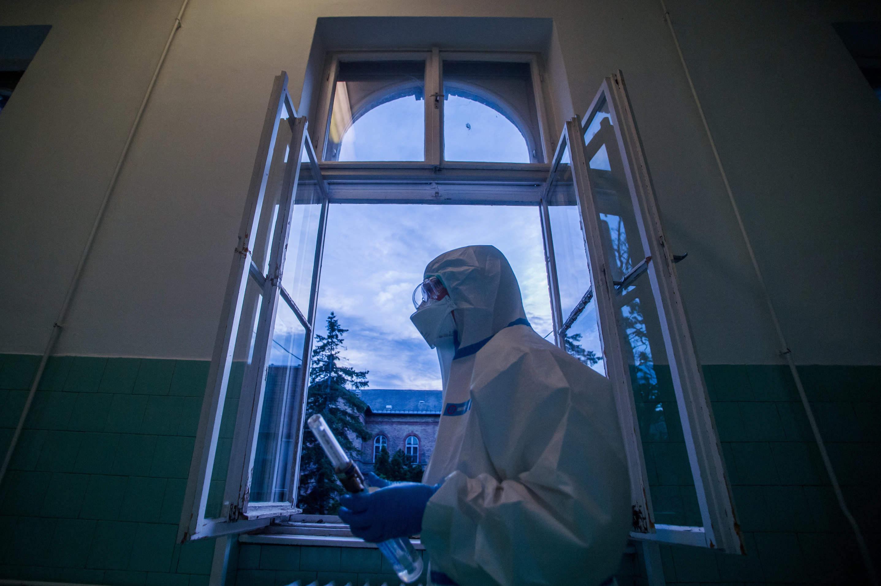 coronavirus infirmière hongroise