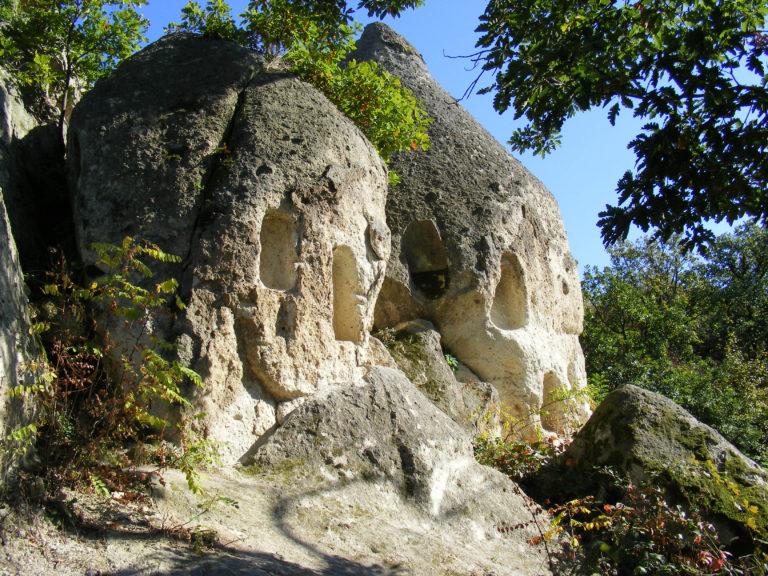 kaptárkövek, beehive stones szomolya