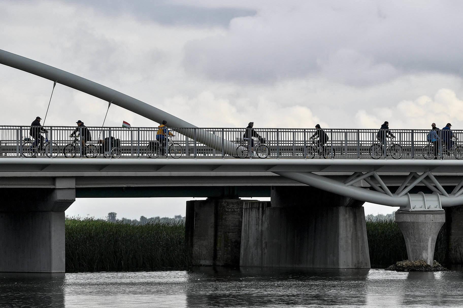 Lake Tisza bicycle tourism