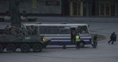 Gunman surrenders to law enforcement officers, all 13 hostages freed in W. Ukraine