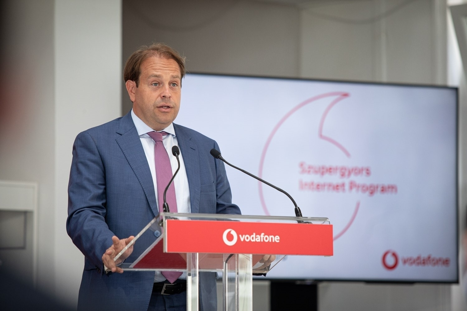 Vodafone Hungary introduces super-fast Internet in new settlements
