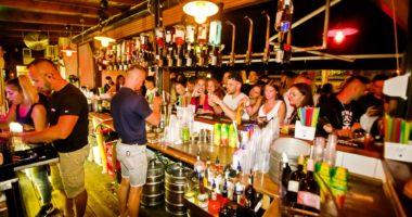 balaton siófok party pub