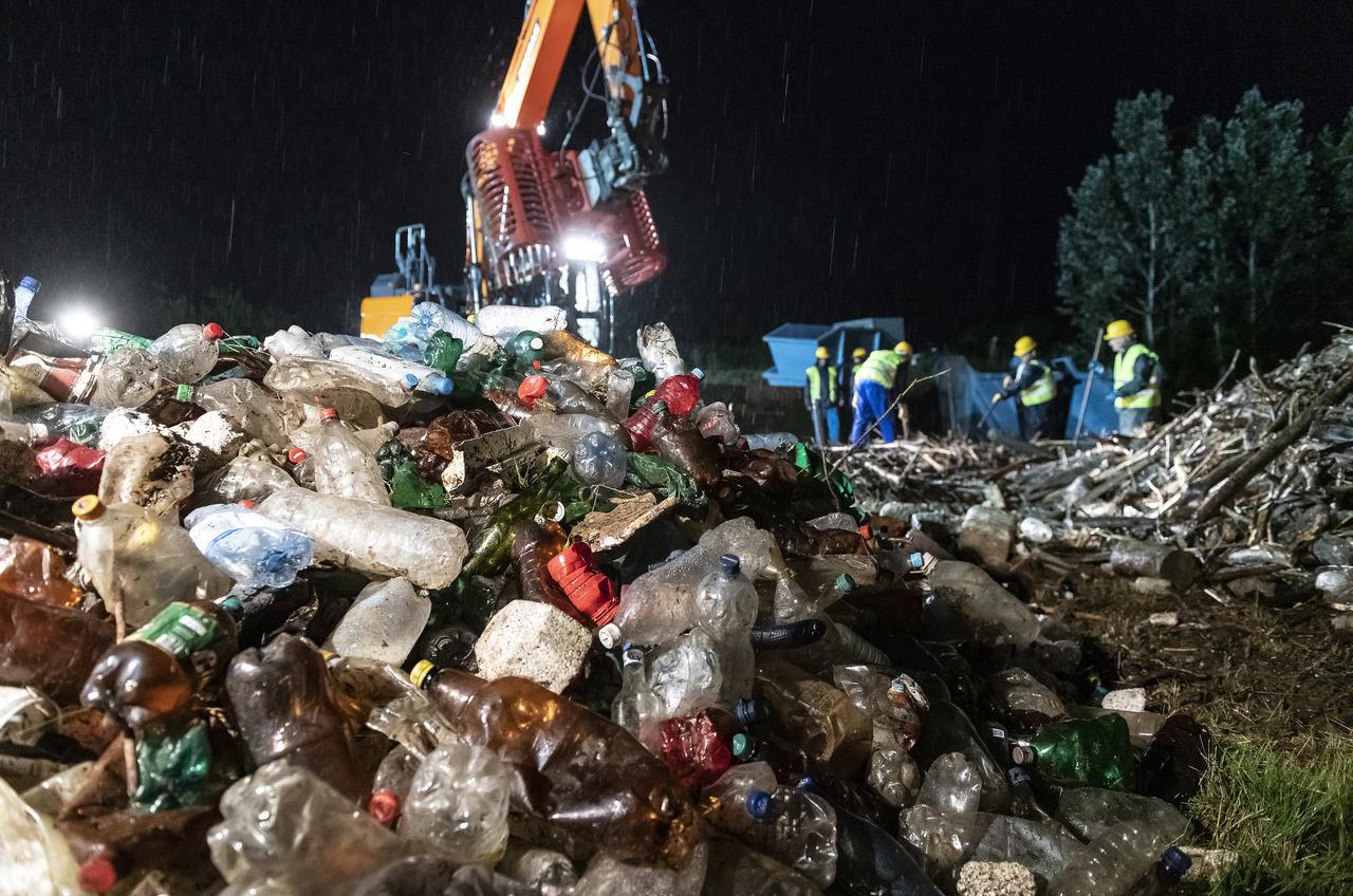 river-tisza-waste-hungary-ukraine