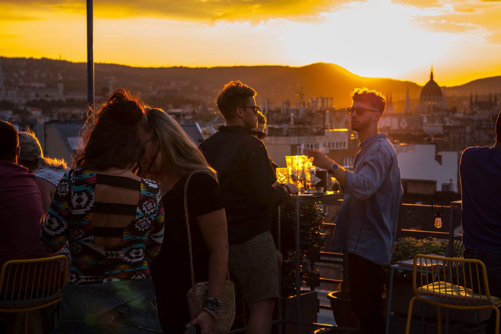 360 bar rooftop budapest