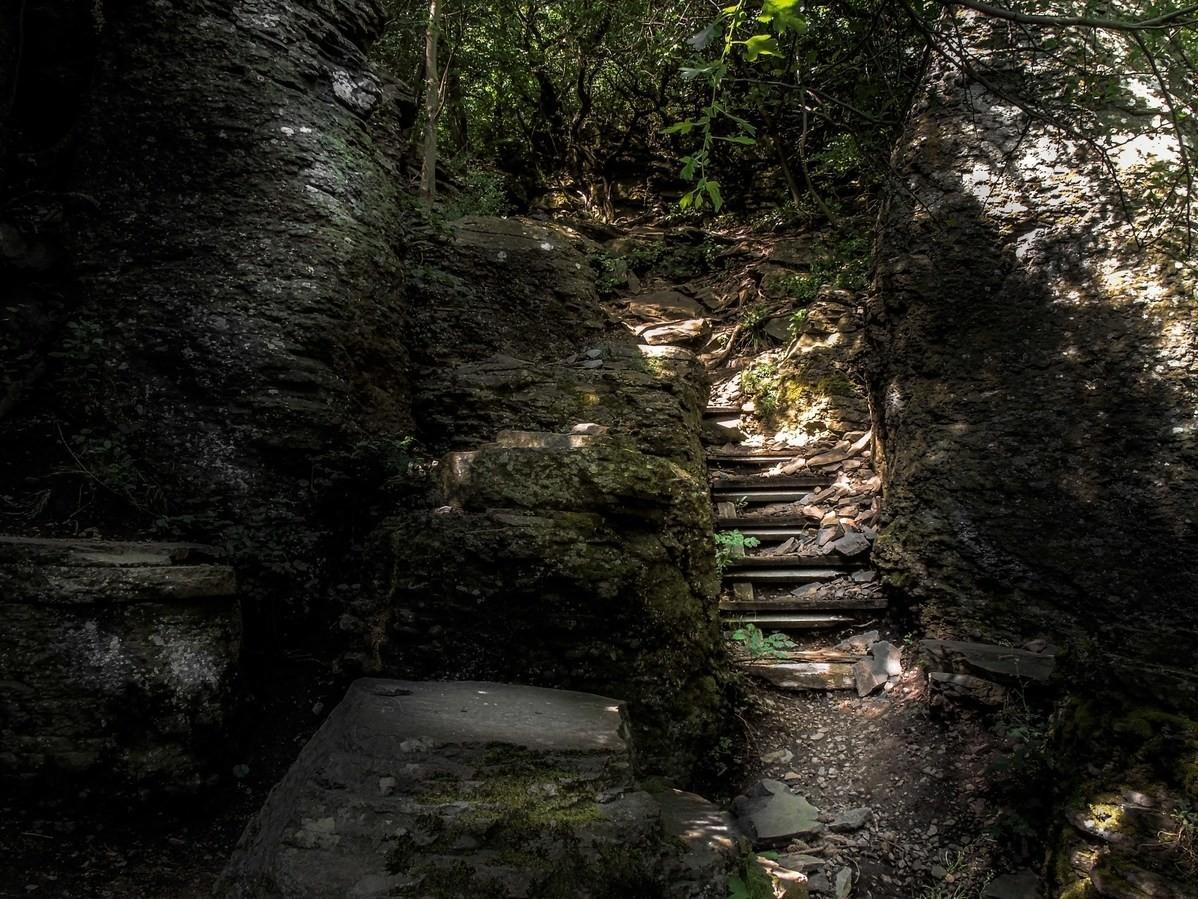 Escalier en basalte de Bazalt